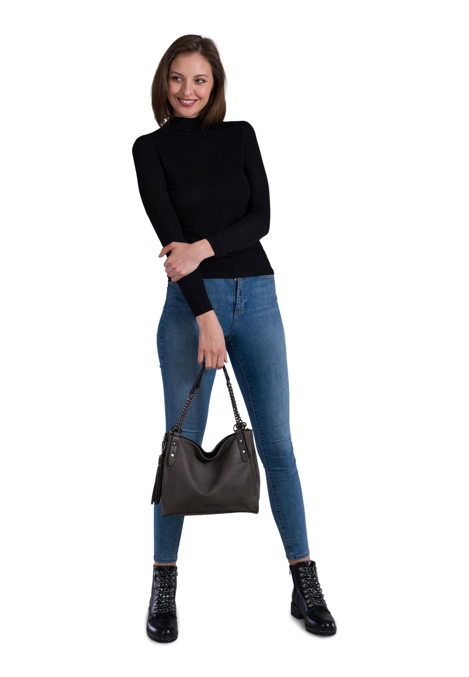 Shopper Selina