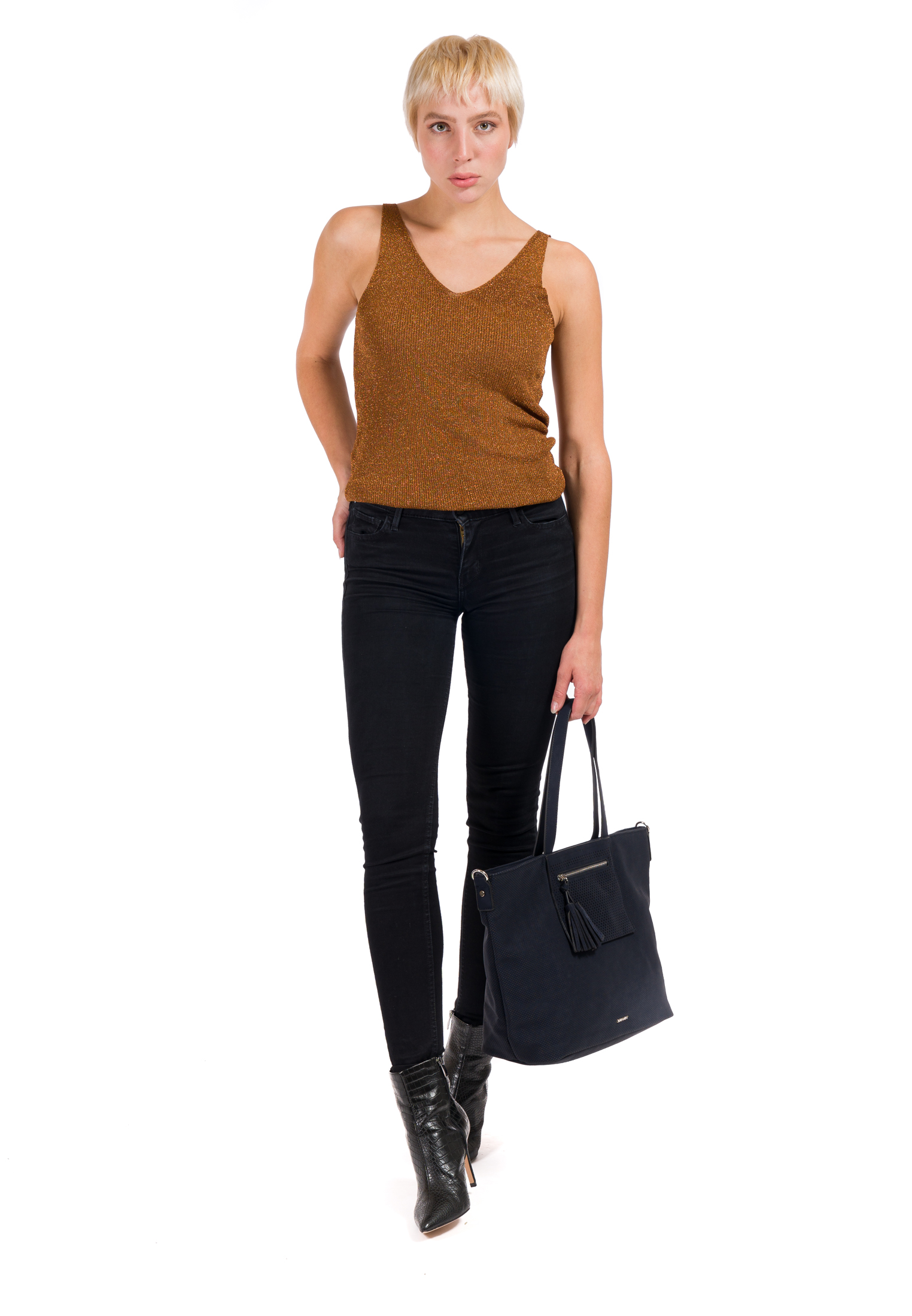 Shopper Romy Ailey groß